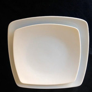 Assiettes porcelaine carrée