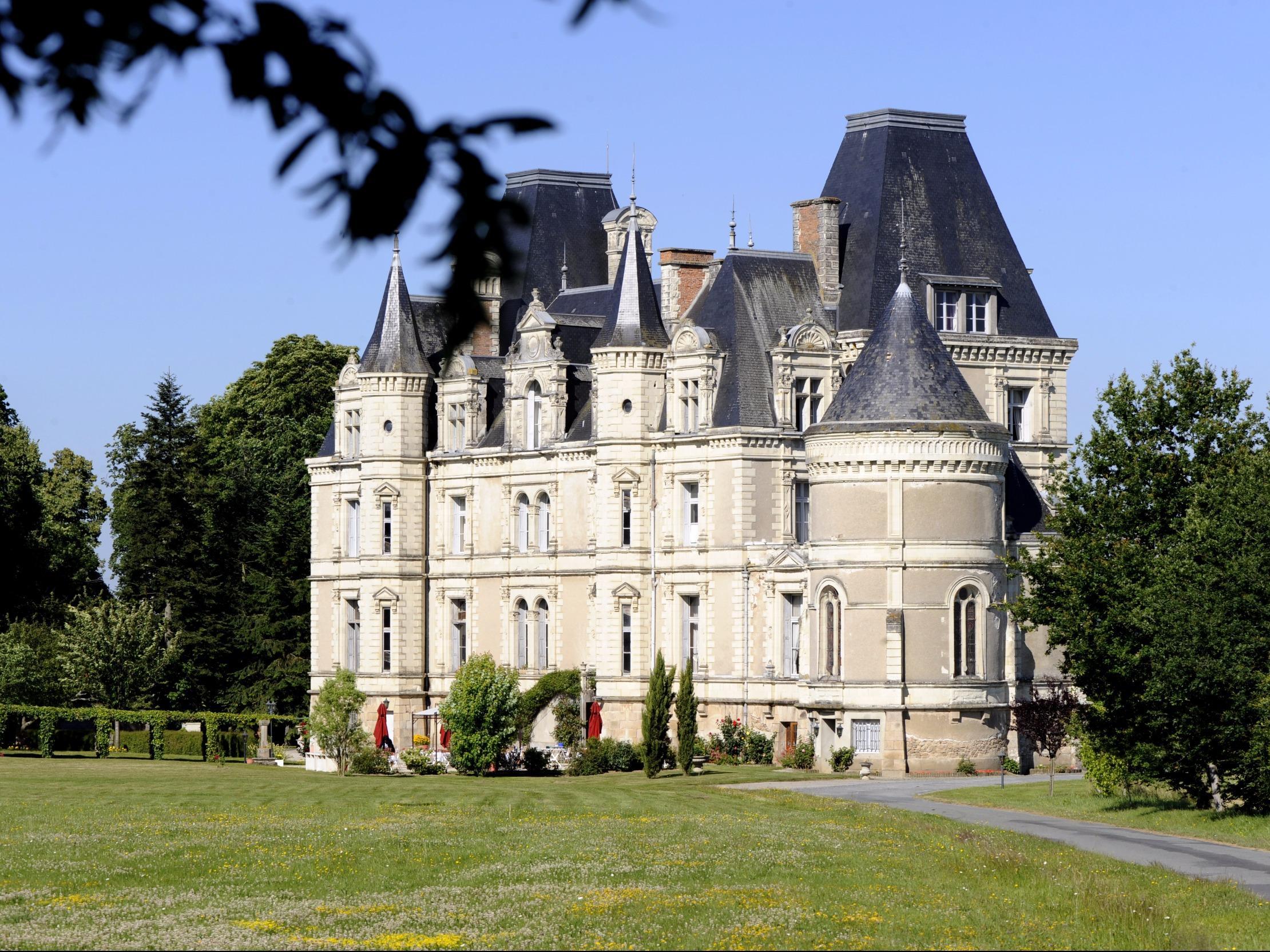 Location château événement Cholet - 100% LOC